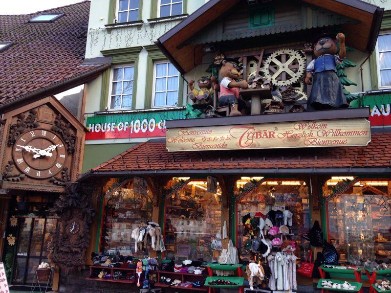 schwarzwald souvenirs haus der 1000 uhren in triberg. Black Bedroom Furniture Sets. Home Design Ideas